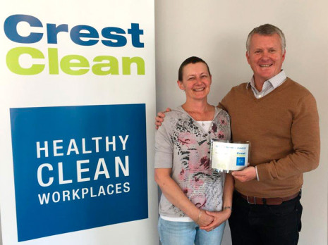CrestClean Managing Director Grant McLauchlan presented Franchisee Financial Services Sarah McCormack with a 10 year plaque in recognition of her long service.