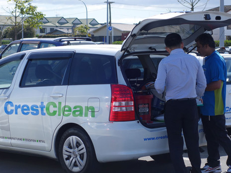 CrestClean Waikato/Bay of Plenty Quality Assurance Co-ordinator Jason Cheng audited vehicles as part of the Tauranga team meeting.