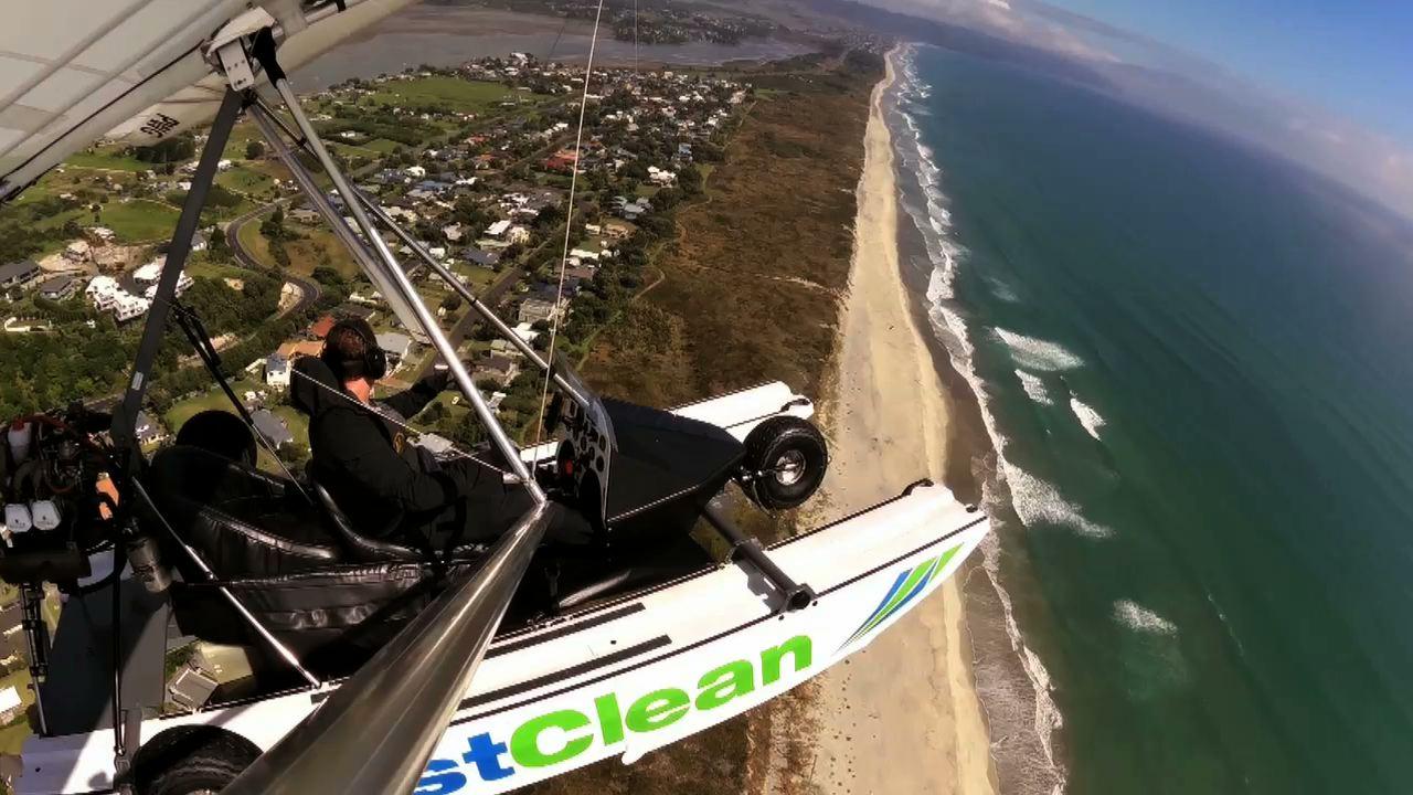 CrestClean amphibious microlight video