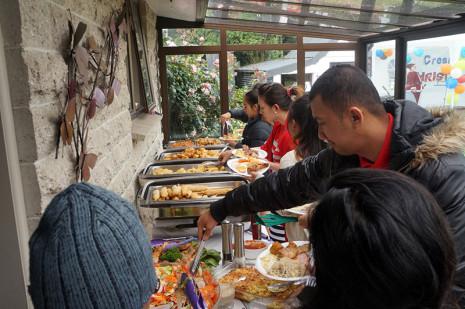 Everyone enjoyed the buffet lunch.