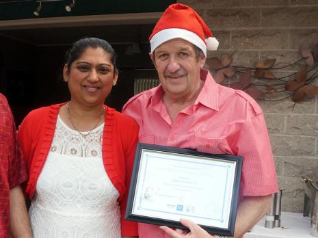 Durgeshni Datt presented Glenn with his 5 Year Long Service Award.