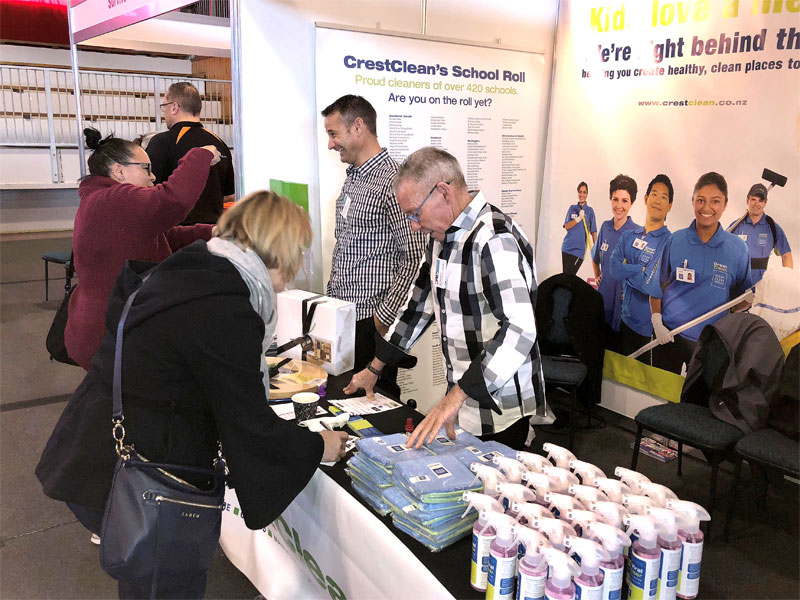 CrestClean personnel Jan Lichtwark and Bill Douglas were kept busy with enquiries at the Rotorua conference.