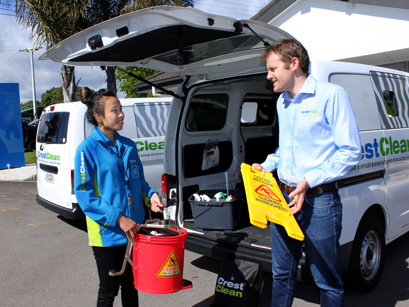 Tauranga franchisee Tan Kao with Sam Lewis, CrestClean's General Manager Franchise Services.